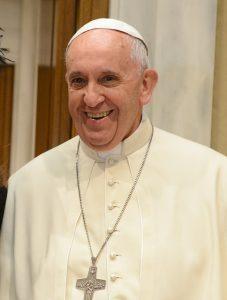 Resumen de la encíclica Laudato si. En la imagen aparece una foto del Papa