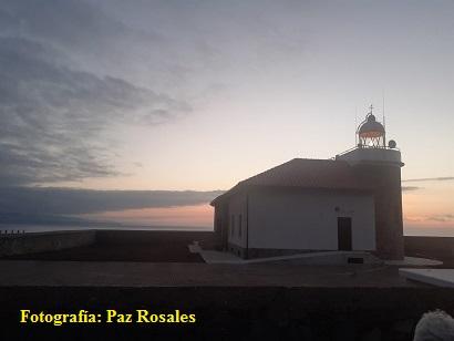 Brille así vuestra luz ante los hombres. Fotografía de un anochecer en faro Vidio (Asturias). Fotografía gentileza de Paz Rosales