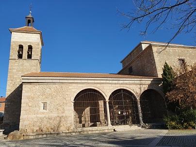 Los pobres en la Iglesia del primer mundo. Fotografía de la Iglesia de San Sebastián en Cercedilla (Madrid)