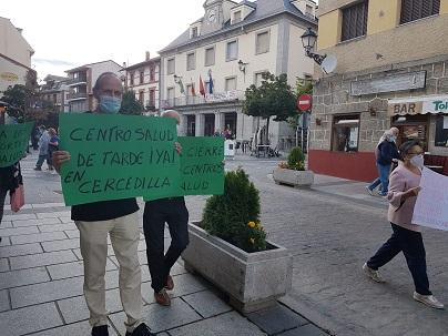Nueva evangelización. Fotografía de una manifestación en defensa de la sanidad pública. Cercedilla