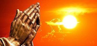 La verdadera oración es fruto del Espíritu Santo. Manos orando